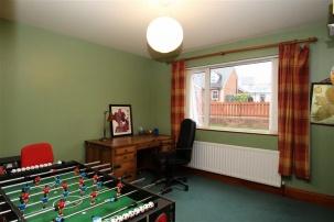 1 Drumlin Manor